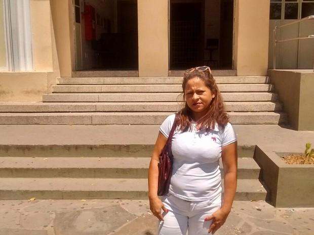Mesmo com o cartão de confirmação, doméstica é impedida de fazer Enem no Piauí (Foto: Wenner Tito/G1)