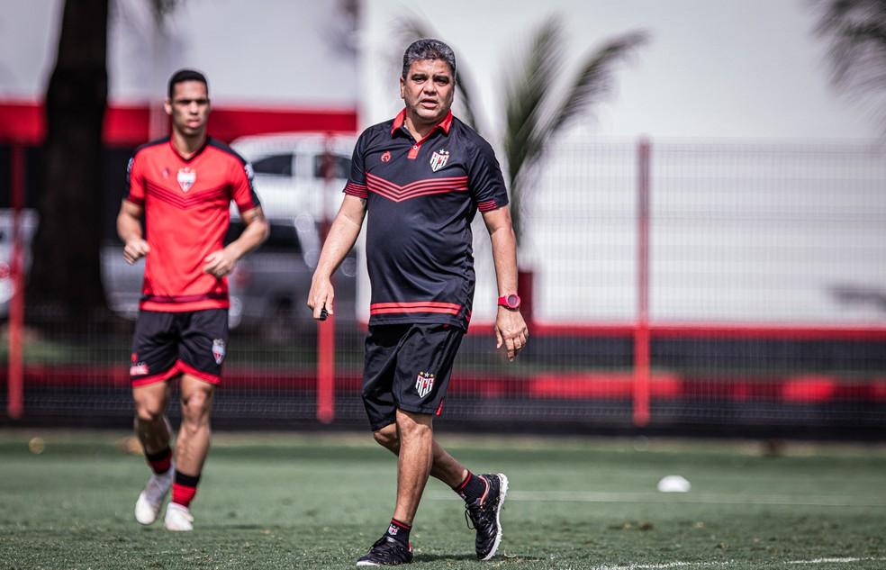 Marcelo Cabo, técnico do Atlético-GO — Foto: Heber Gomes/ACG