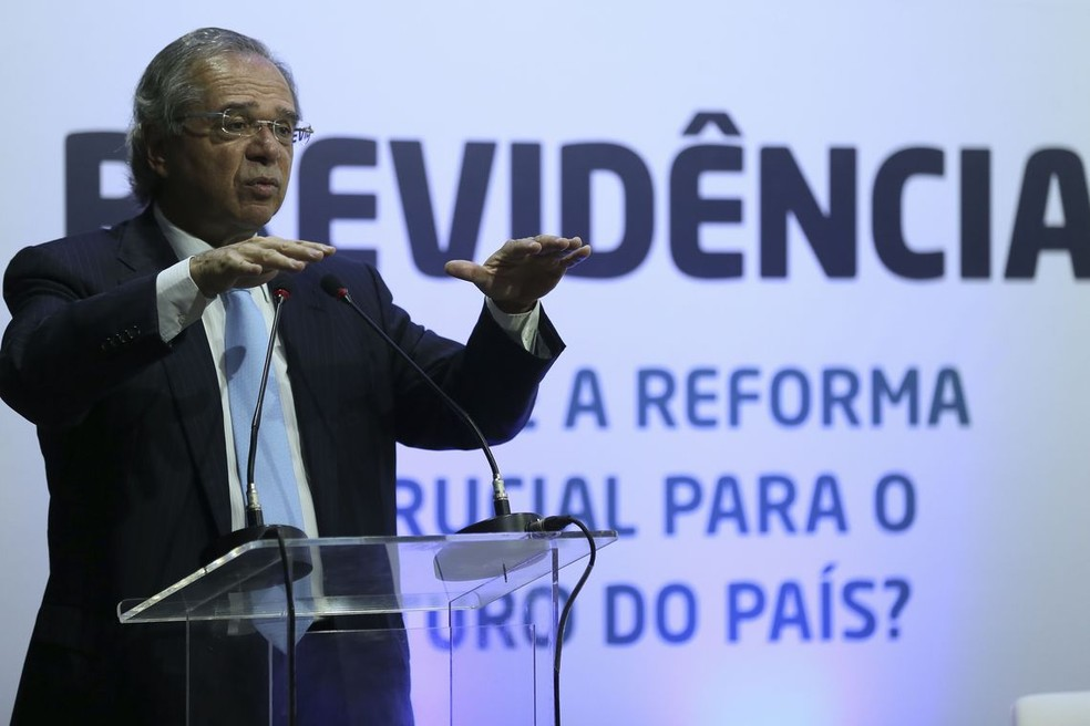 Ministro Paulo Guedes disse que pode renunciar ao cargo se a reforma da Previdência pretendida pelo governo não sair — Foto: José Cruz/Agência Brasil