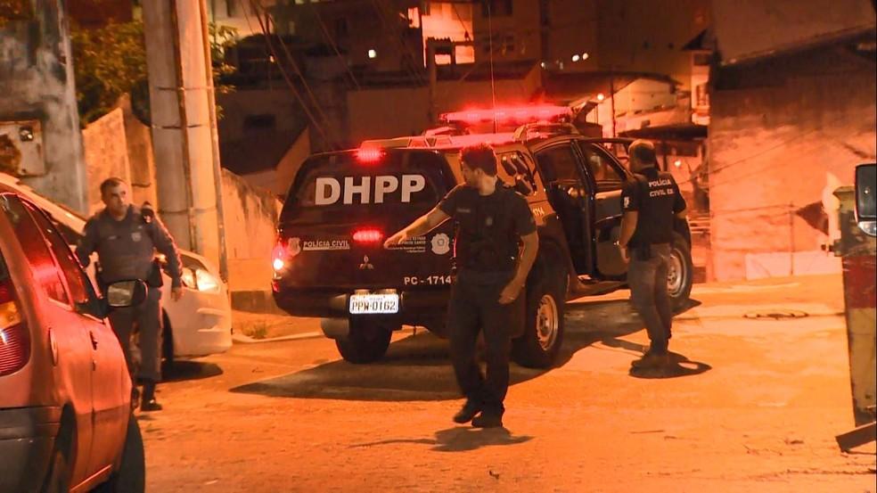 Viatura da DHPP, delegacia especializada em homicídios — Foto: Reprodução/TV Gazeta