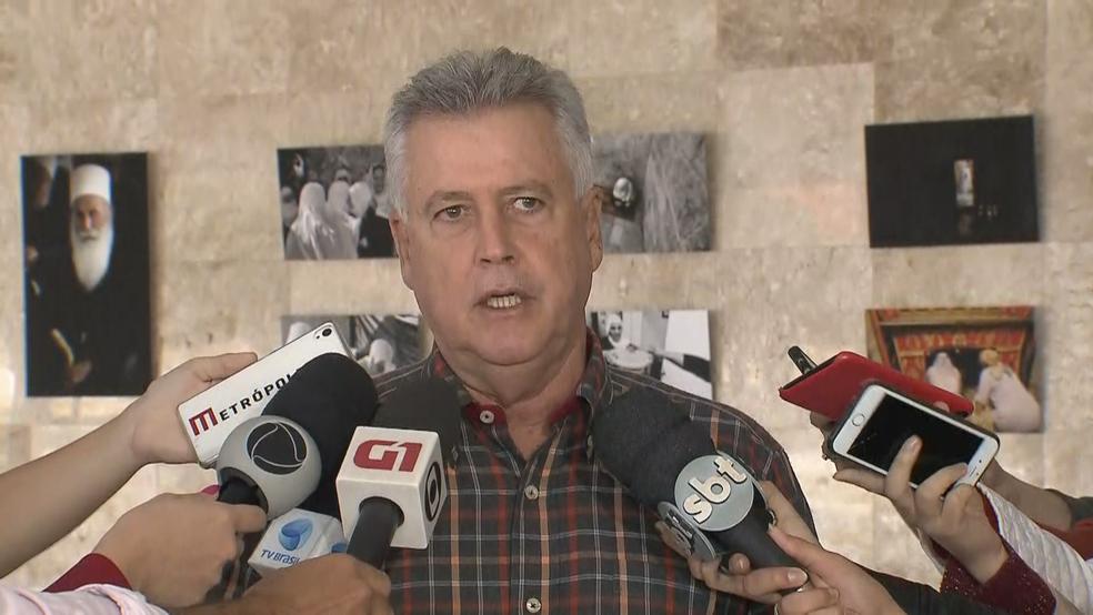 Governador Rodrigo Rollemberg durante entrevista coletiva neste sábado (27) (Foto: TV Globo/Reprodução)