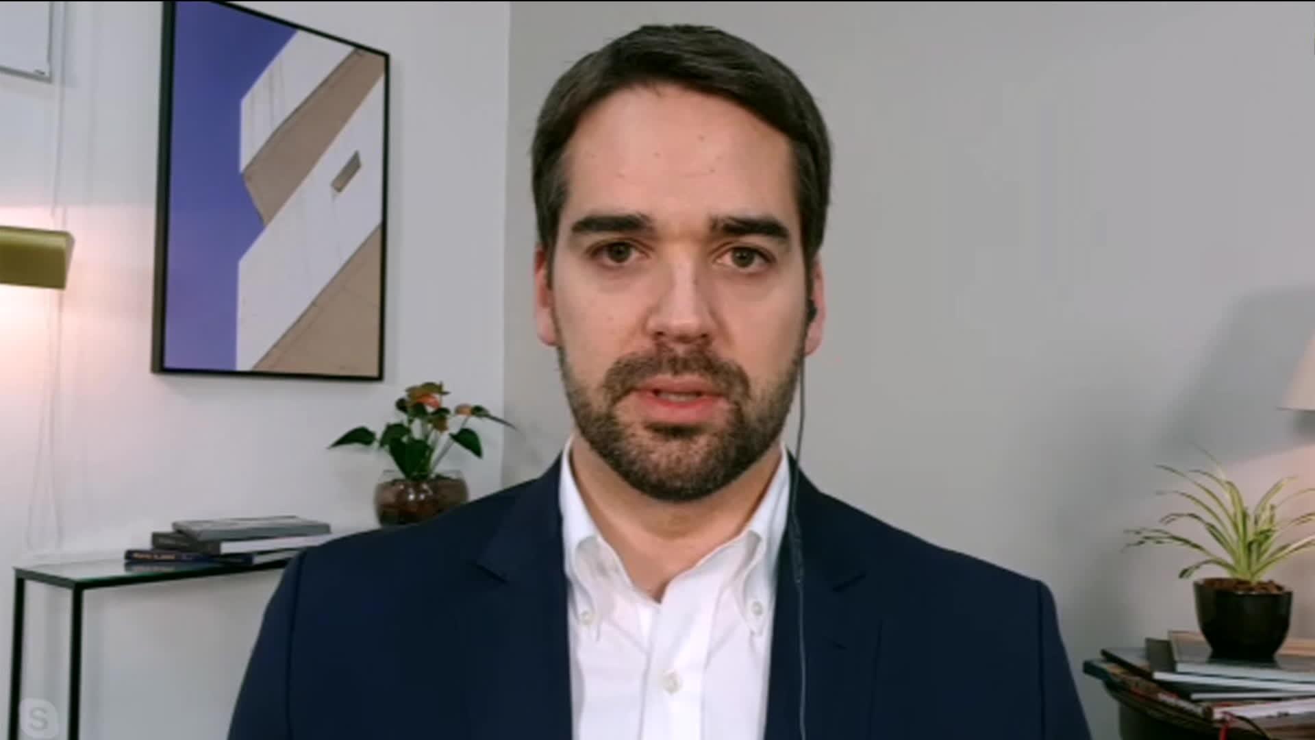 Governador do RS, Eduardo Leite, vai a São Paulo para entrega das doses da vacina para Covid-19