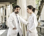 Julio Andrade e Marjorie Estiano em 'Sob pressão' | João Miguel Júnior/ TV Globo