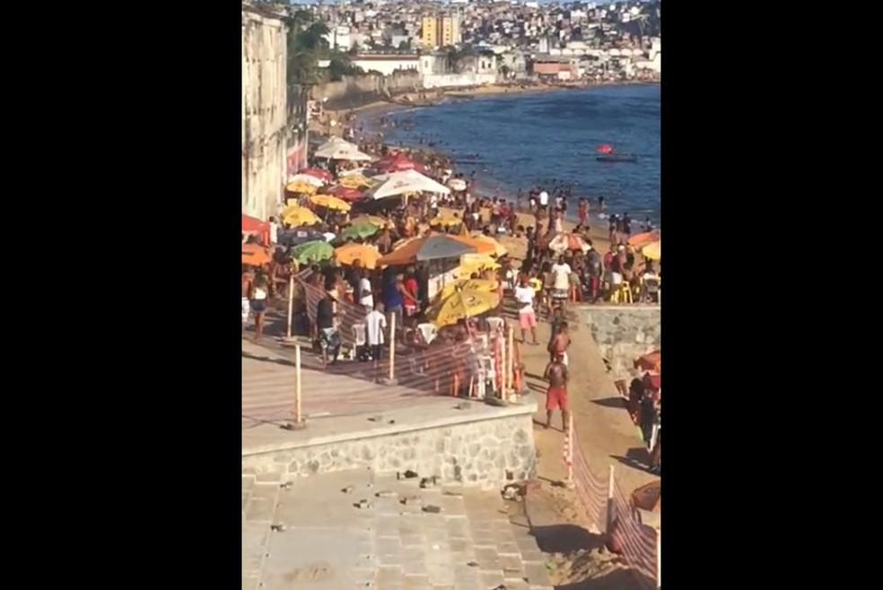Praia da Boa Viagem, em Salvador, no domingo (27) — Foto: Reprodução/Redes Sociais