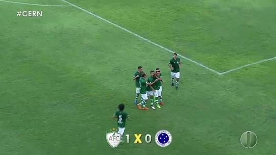 """Com apelido inspirado em """"Teletubbies"""", herói do Alecrim comemora gol na estreia"""