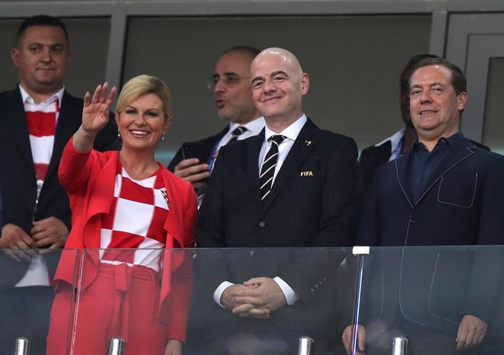 Kolinda Grabar-Kitarovic, presidente da Croácia, e Gianni Infantino, presidente da Fifa  (Foto: EFE)