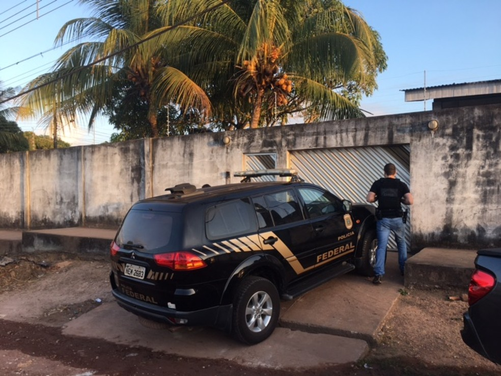 -  Processos administrativos foram encontrados na casa de servidores  Foto: Divulgação/PF