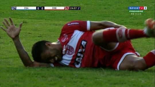 Ex-Palmeiras, Cleiton Xavier vai passar por cirurgia e não tem prazo para voltar ao time do CRB