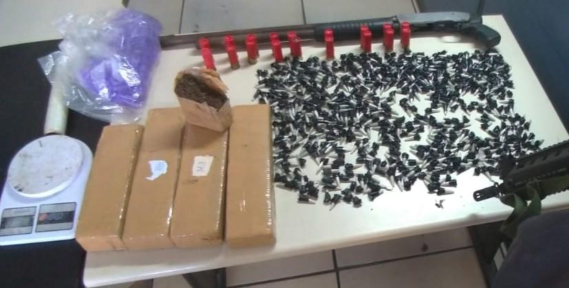 Polícia apreende grande quantidade de drogas em Campos, no RJ  - Notícias - Plantão Diário