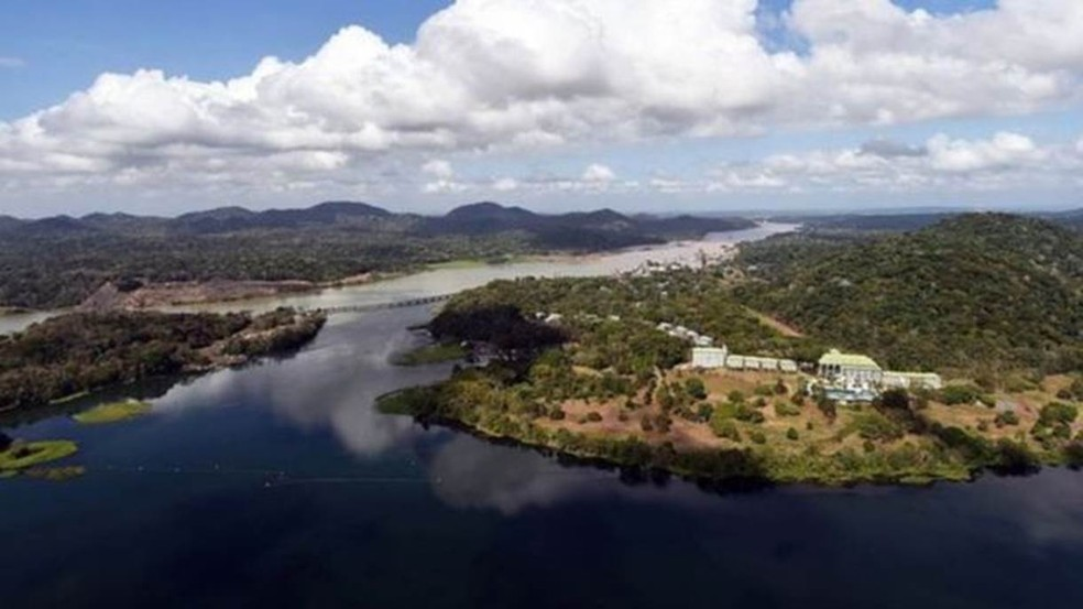 Lago artificial Gatún tem sofrido com a queda no volume de chuvas — Foto: AFP