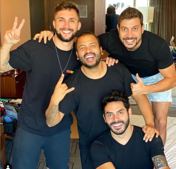 Participantes do 'BBB' 21 se reúnem em hotel antes da final do programa (Foto: Reprodução)