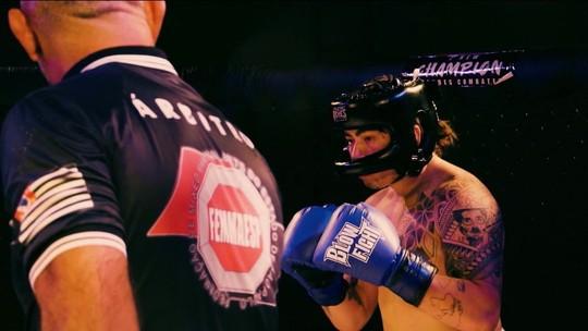 Contra depressão, Whindersson estreia no boxe, troca golpes com Popó e tem sonho de lutar MMA