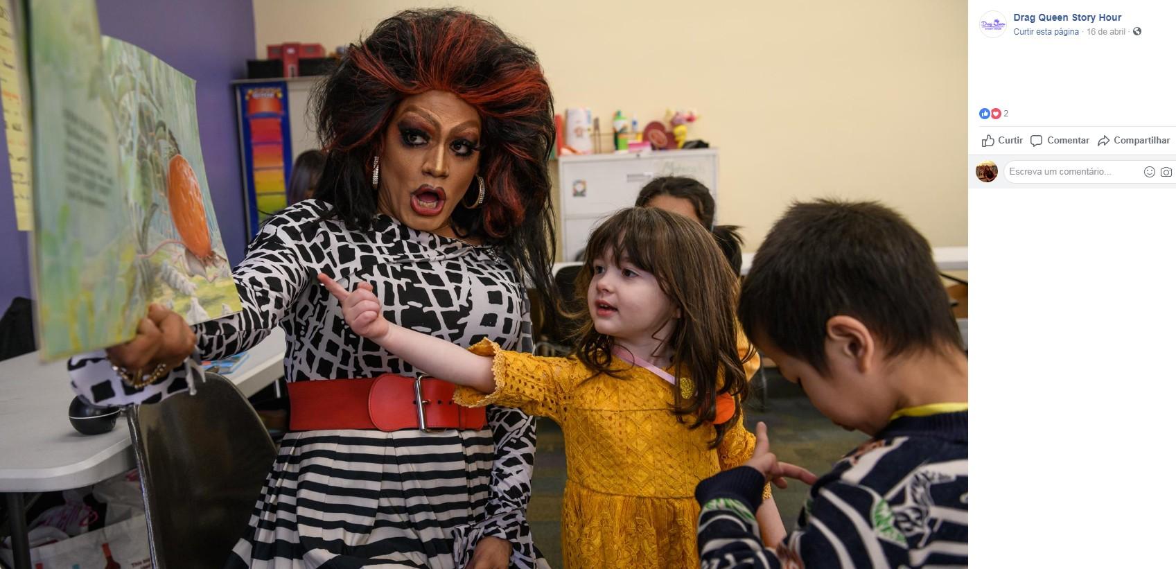 Drag queens leem histórias a crianças em livrarias e escolas dos EUA para incentivar respeito à diversidade