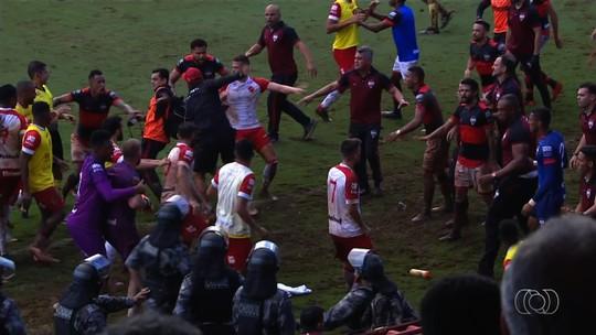 Súmula do clássico aponta que briga começou com atacante do Vila e supervisor do Atlético-GO