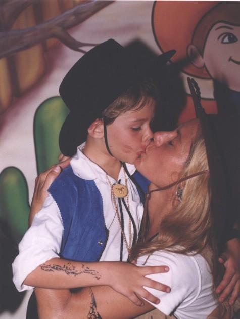 Vera e o filho em 1999 (Foto: Divulgação)