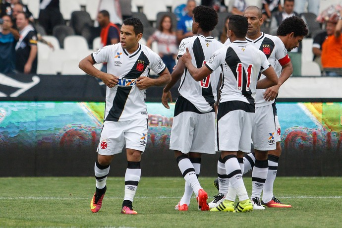 Ederson gol Vasco x Atlético-GO (Foto: Agência Estado)