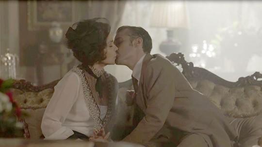 Última semana: Fernão seduz e beija Emília!