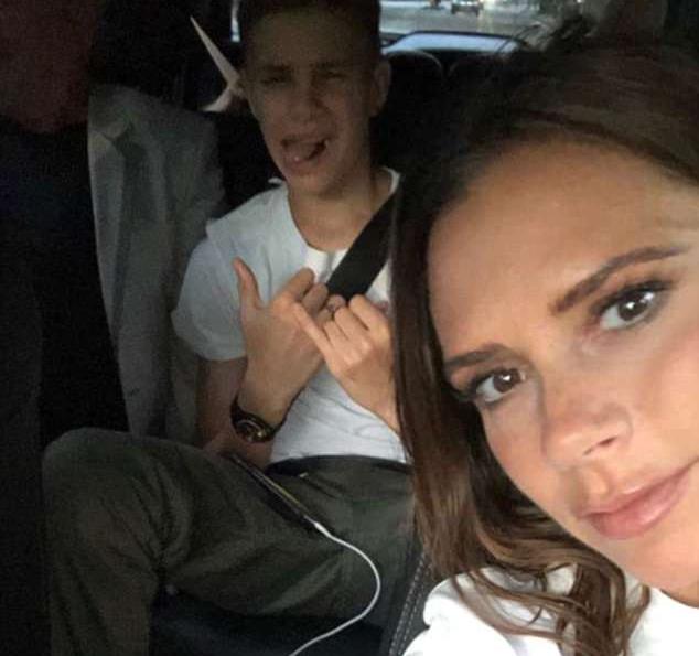 Victoria Beckham levando o filho Romeo para uma aula de tênis (Foto: Instagram)