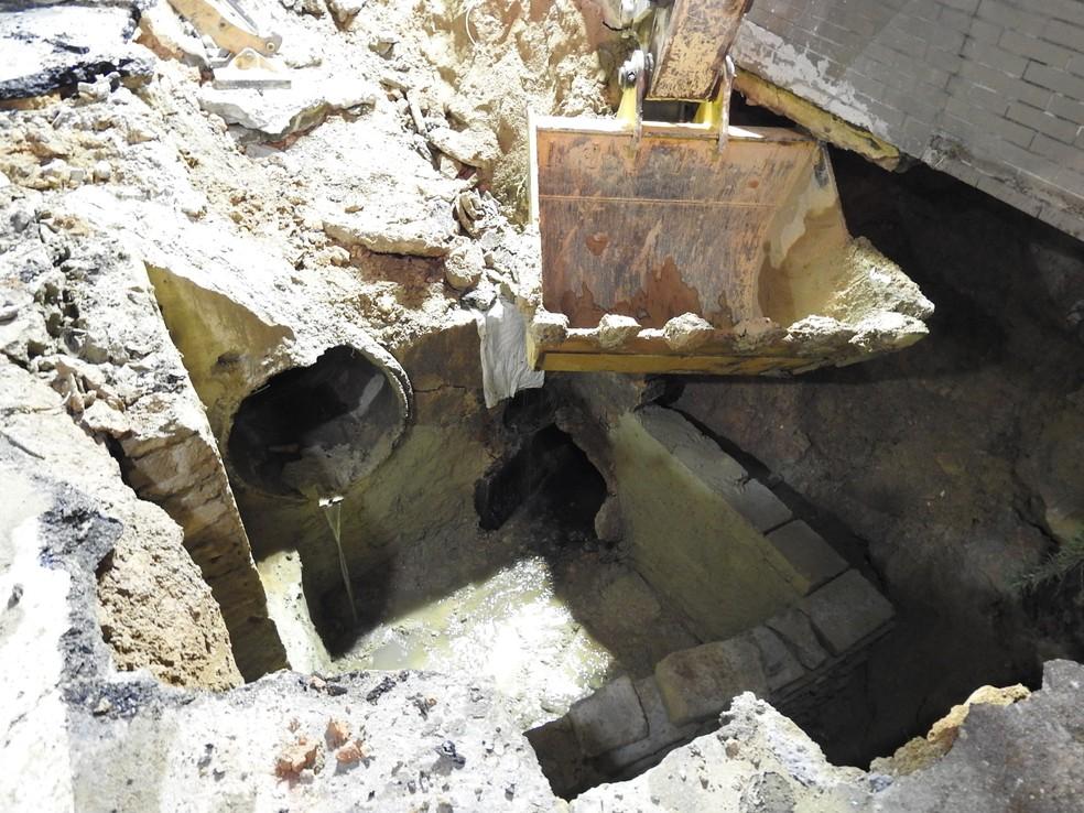 Rede de drenagem da Seminf também foi comprometida (Foto: Patrick Marques/G1 AM)
