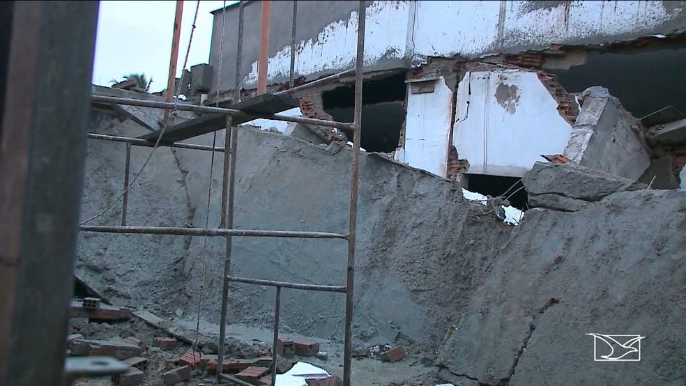 Laje da casa caiu em cima de um homem, que acabou morrendo (Foto: Reprodução/TV Mirante)