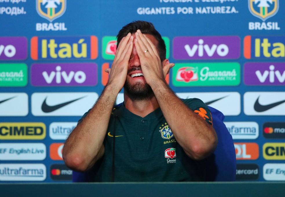 Brasileiro, que é pretendido por outros clubes, despistou ao falar sobre seu futuro na Roma (Foto: Hannah McKay/Reuters)