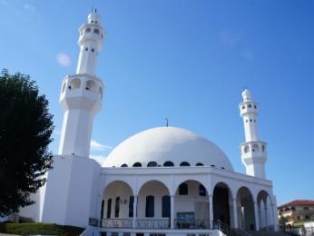 La mezquita sunita de Foz do Iguaçu recibe por mes cerca de 5 mil visitantes (Foto: Fabiula Wurmeister / G1)