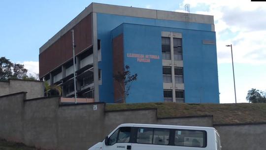 Após furto de fios de energia, escola estadual funciona sem luz desde o início do mês em Amparo