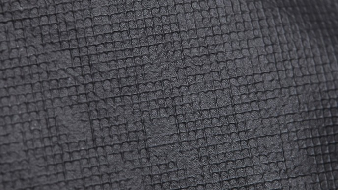 Tecido da jaqueta de grafeno visto de perto. (Foto: Divulgação / Vollebak)