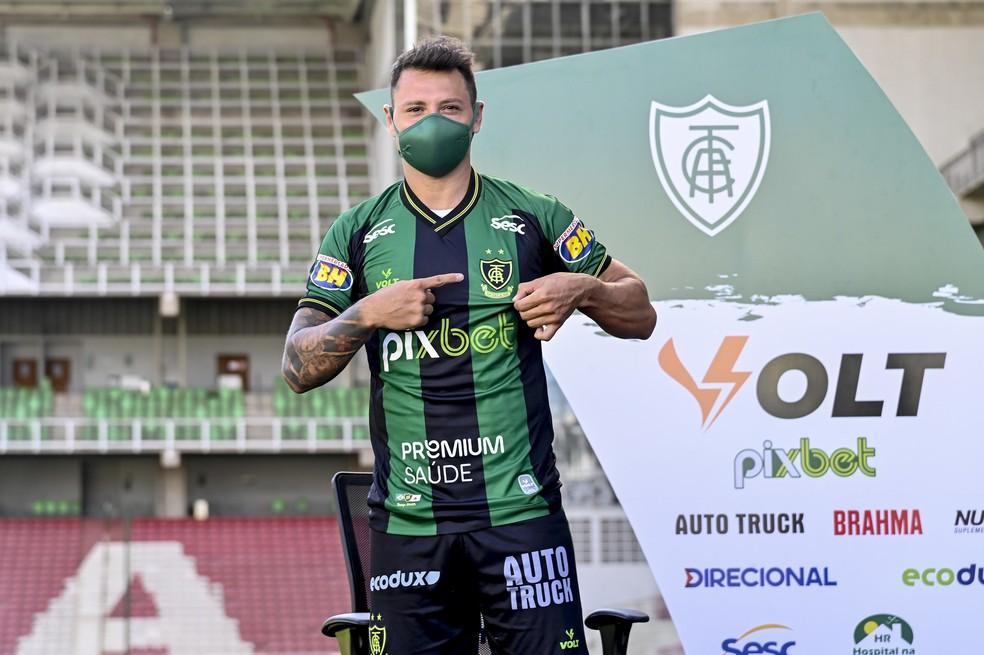 Zárate é esperança de gols do América-MG — Foto: Mourão Panda/América
