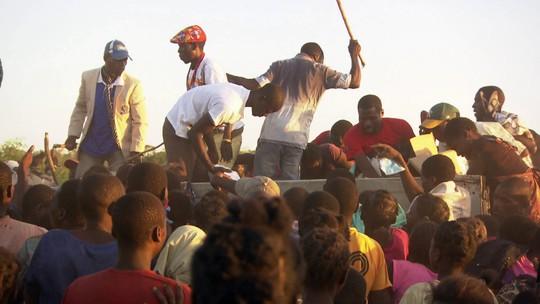 Sobreviventes sofrem com devastação causada por ciclone em Moçambique