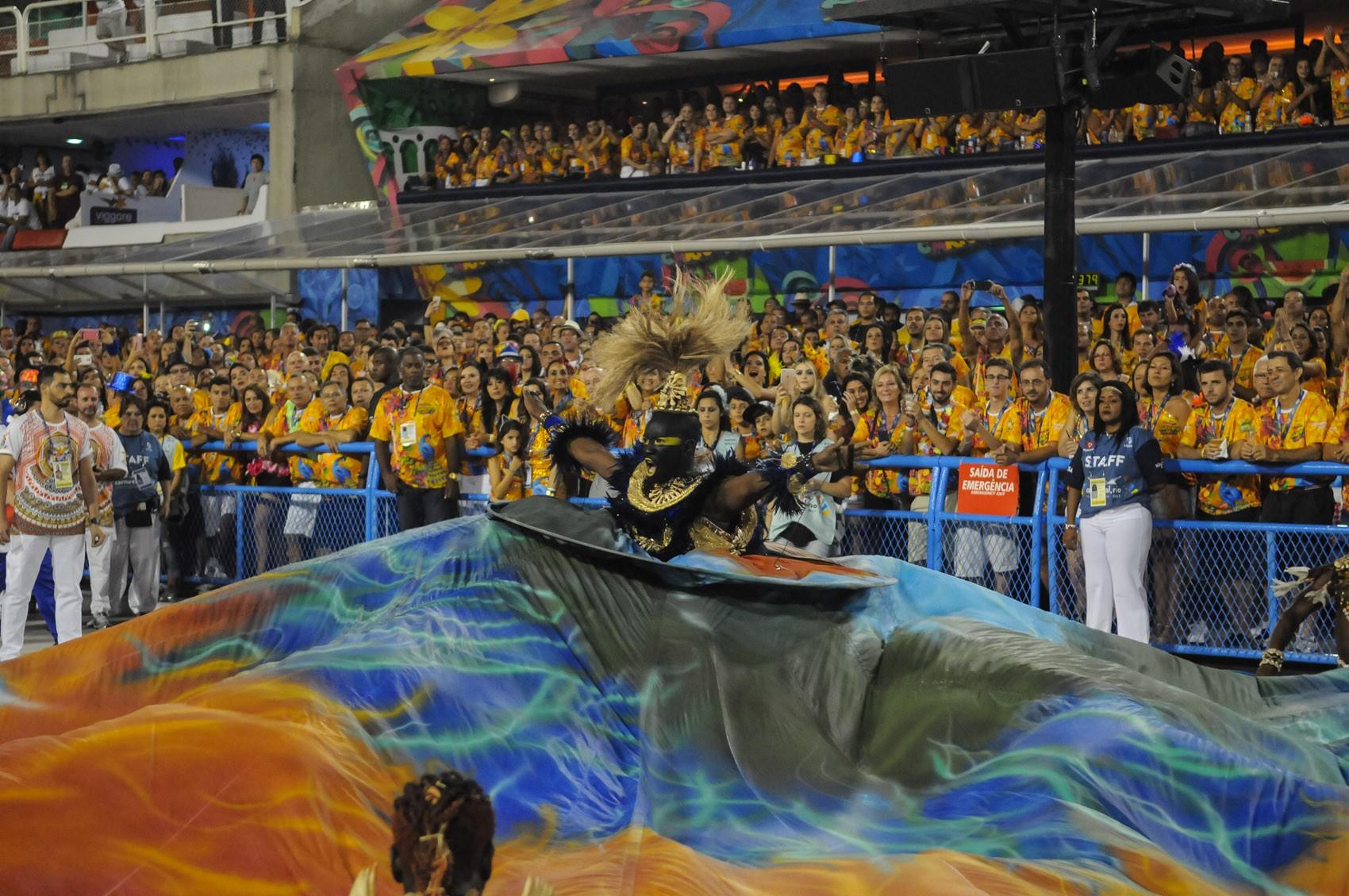 #Mitou na Sapucaí: quem arrasou na 2ª noite de carnaval no Rio; FOTOS