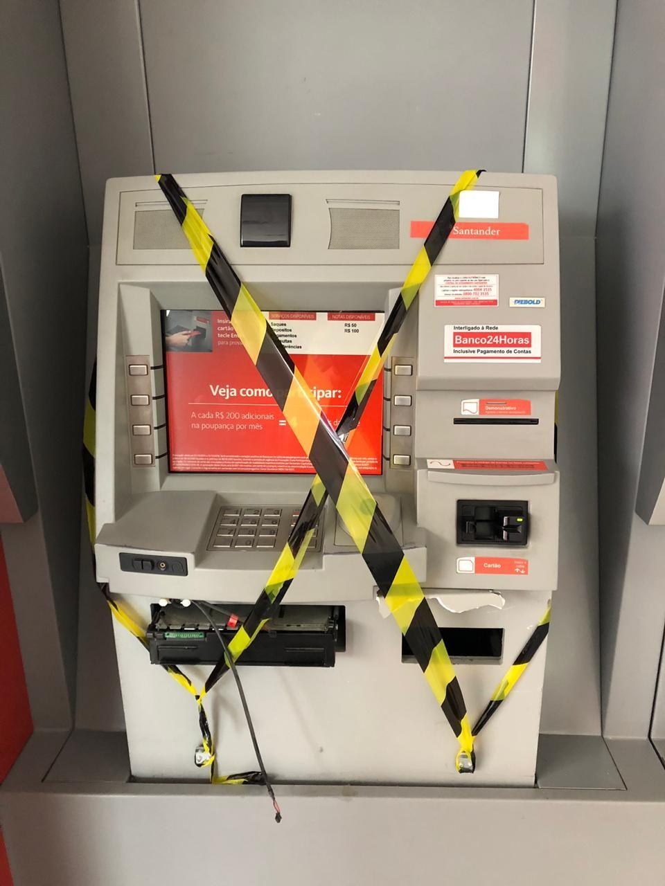 Caixa eletrônico é arrombado em agência bancária de Itajaí - Radio Evangelho Gospel