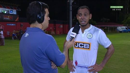 """Lateral do São Bento chora ao vencer ex-clube: """"Nunca precisei do amor da torcida do Vitória"""""""