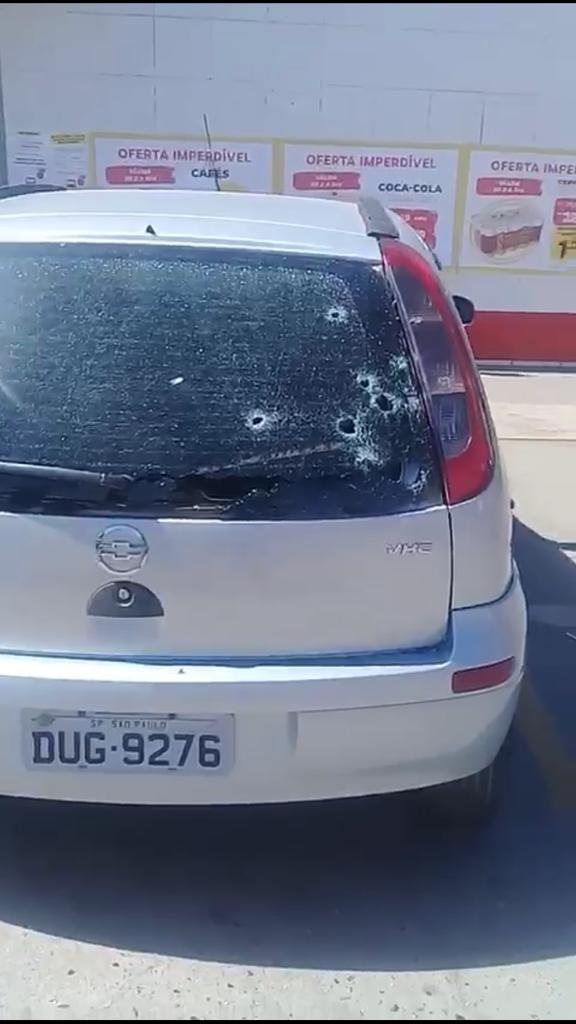 Vídeos mostram troca de tiros entre assaltantes de carro-forte, vigilantes e PM na Grande SP