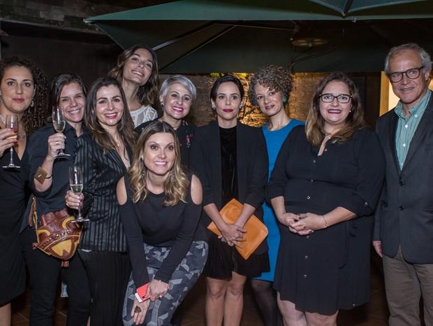 Time Marie Claire e da Avon Brasil reunidos no jantar que recebeu as revendedoras da Avon. Evento dá início às comemorações do Prêmio Viva (Foto: Lincon Justo)