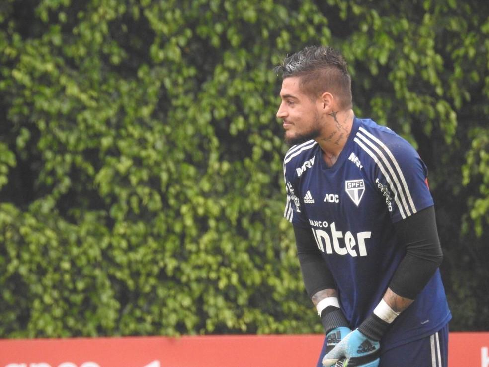 Goleiro Jean, do São Paulo, teve contrato suspenso — Foto: Marcelo Hazan