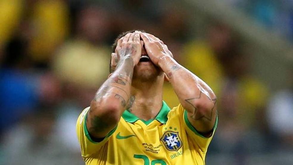 Firmino, da Seleção Brasileira — Foto: Juan Mabromata / AFP Photo