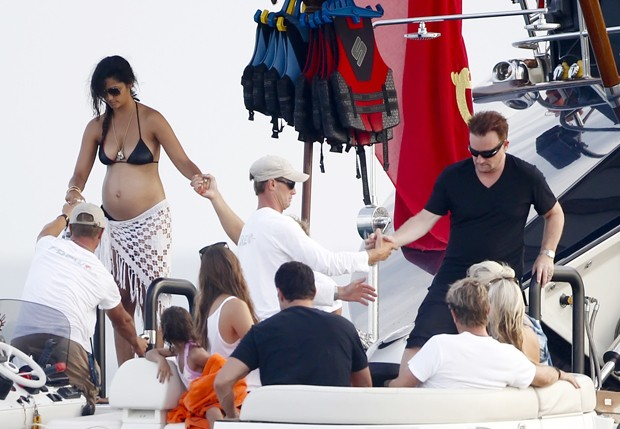 Camila Alves e Bono Vox (Foto: The Grosby Group)