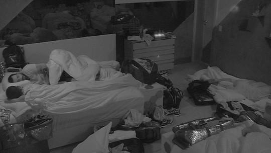 Todos os brothers dormem no BBB19