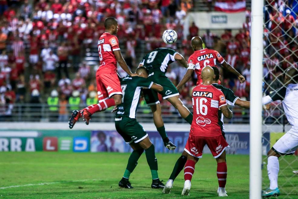 Goiás jogou mal contra o CRB e recebe o Avaí na próxima sexta — Foto: Ailton Cruz / Gazeta de Alagoas