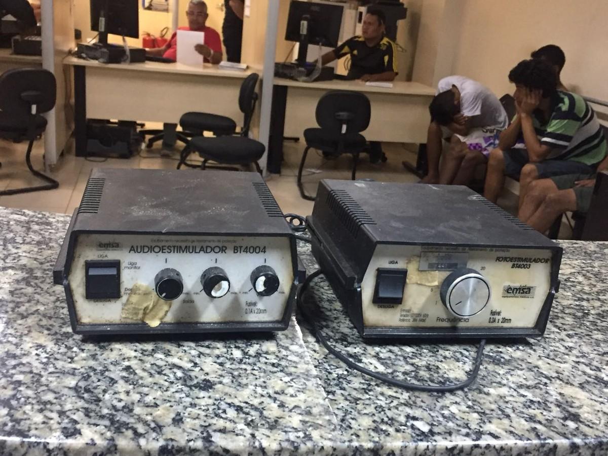 Quatro homens são presos com rádios furtados e droga em Boa Vista