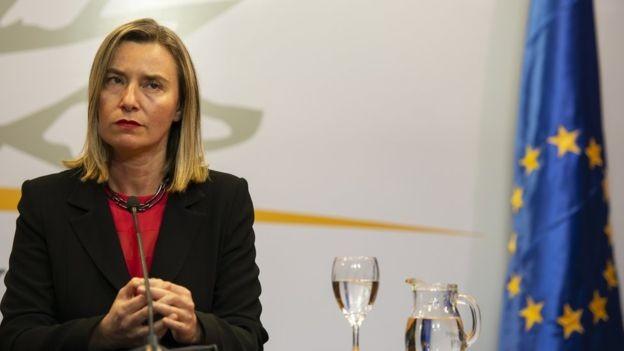 A chefe de política externa da União Europeia, Federica Mogherini, pediu que haja uma solução política pacífica para a crise na Venezuela (Foto: Getty Images via BBC News)