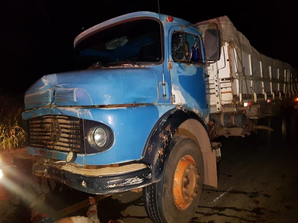 Condutor do caminhão foi encaminhado para a Delegacia Regional de Codó — Foto: Divulgação/Polícia Rodoviária Federal