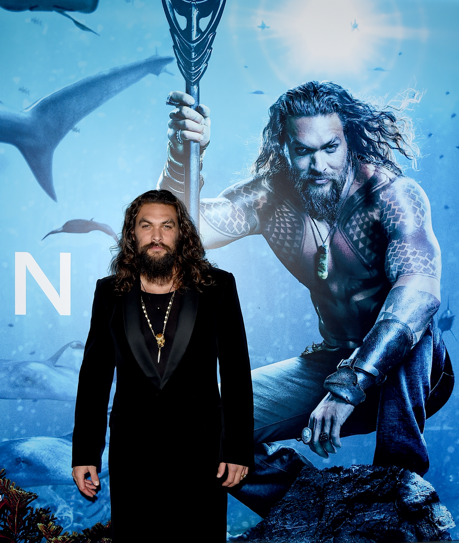 O ator Jason Momoa no lançamento de Aquaman (Foto: Getty Images)