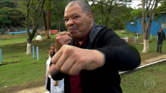 """Maguila conta rotina em clínica e diz que deu KO em doença: """"Vou viver 100 anos"""""""