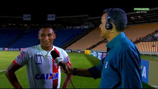 """""""Em casa"""", Pedro Bambu comemora vitória do Atlético-GO no Maranhão"""