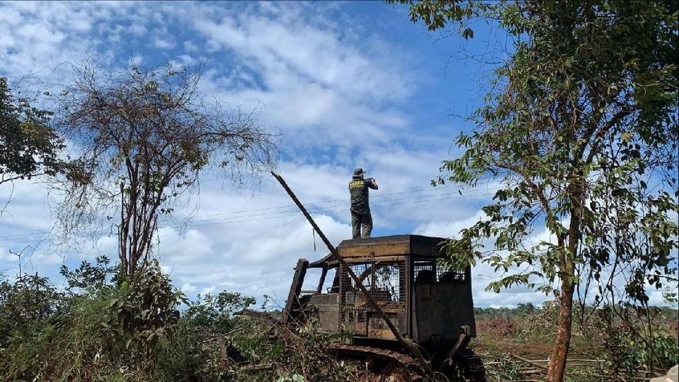 Maquinário apreendido após fiscalização flagrar desmatamento ilegal em MT — Foto: Sema-MT