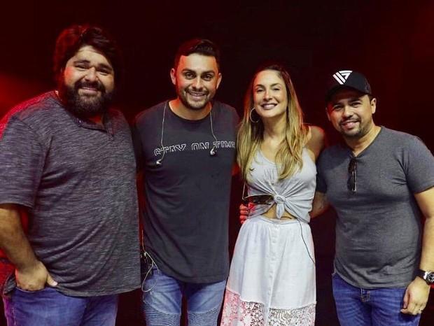 Fabiano, Mano Walter, Claudia Leitte e Xand Avião em ensaio (Foto: Reprodução/Instagram)