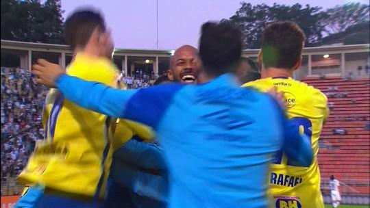 """Bruno Silva marca 1º gol, garante vitória do Cruzeiro e afirma: """"Sei do meu potencial"""""""