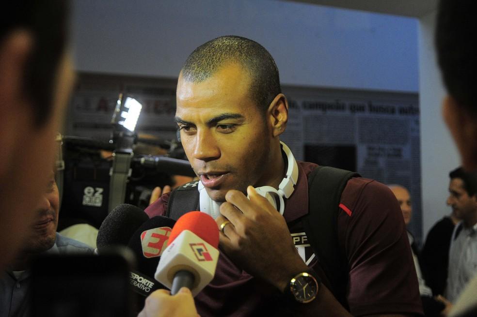 Régis teve contrato suspenso para resolver problemas pessoais (Foto: Marcos Ribolli)